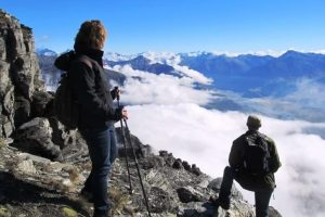 Kljub Parkinsonu uspešno planinarjenje ob uživanju OKA