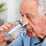 Dehidrirani kljub dovolj popite vode